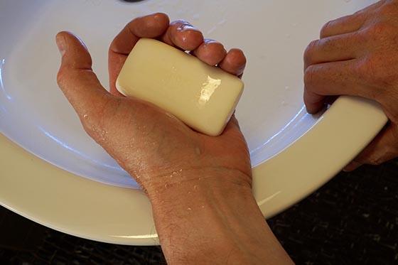 Что такое мыло? Из чего его делают?