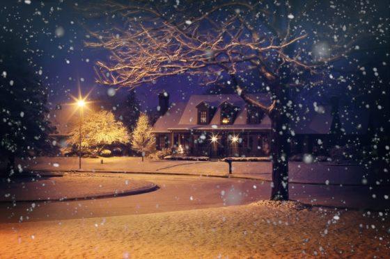 Почему зимой идёт снег?