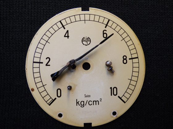 Что такое манометр? Что он показывает и что измеряет?
