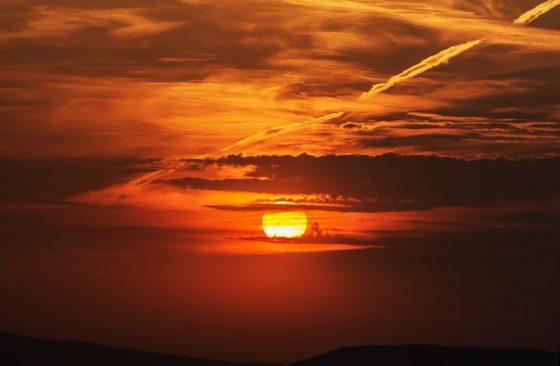 Почему небо синее, а закат красный?