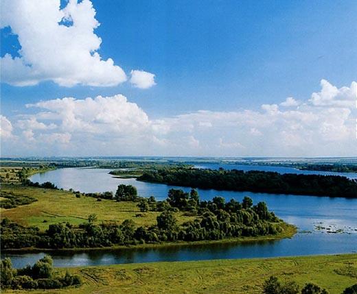 Что такое водораздел реки в географии?