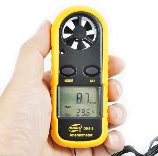 Что такое анемометр и что им измеряют?