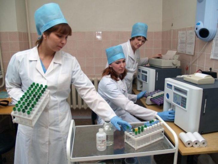 какие качества нужны лаборанту?