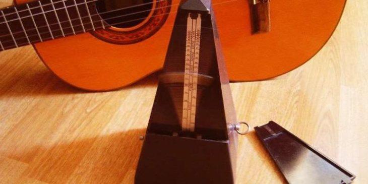 метроном для игры на гитаре