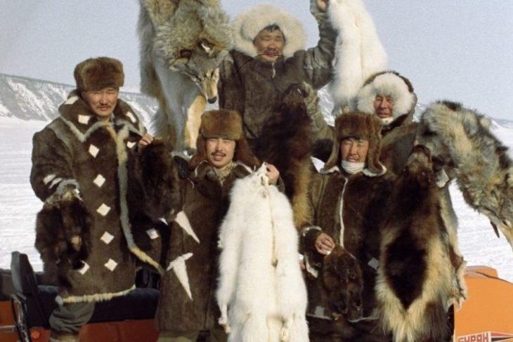 Где живут якуты и чем они занимаются