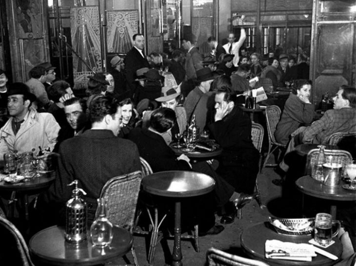 Жизнь Парижа в 30-50-х годах: 30 ярких фото того времени